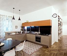 WARM WOOD l Apartment in Monteverde near Trastevere