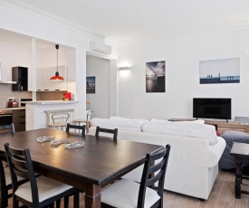 Large and bright 3 bed flat near Piazza del Popolo