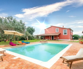 Stunning home in Montalto di Castro w/ Outdoor swimming pool and 4 Bedrooms