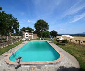 Spacious Farmhouse in Bagnoregio with Swimming Pool